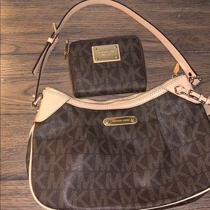 AUTHENTIC MATCHING MICHAEL KORS PURSE AND WALLET